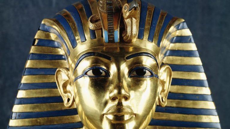 Cairo Museum from El Gouna