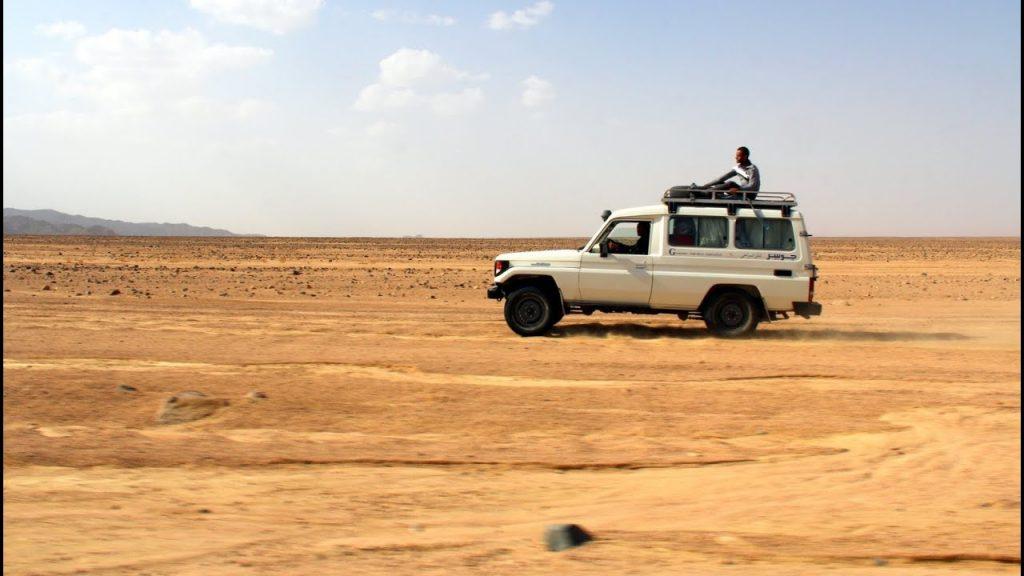 Hurghada desert safari excursion by jeep