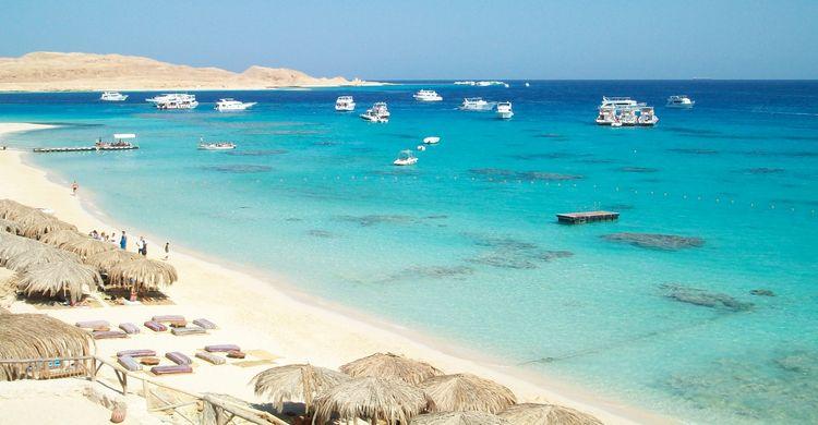 Hurghada: Giftun Island Snorkeling & Lunchon A Luxury Boat
