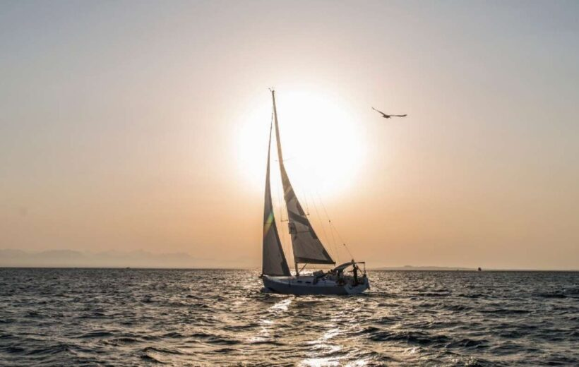 HURGHADA: HALF-DAY SAILING CRUISE WITH SNORKELING & TRANSFERS