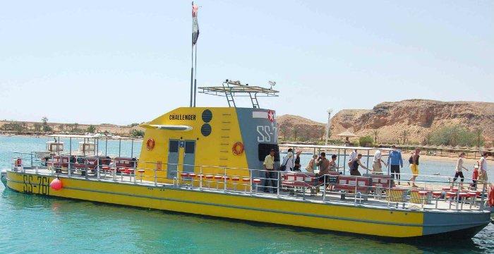 Makadi Bay: Sea Scope Submarine Trip with Drinks and Snorkeling