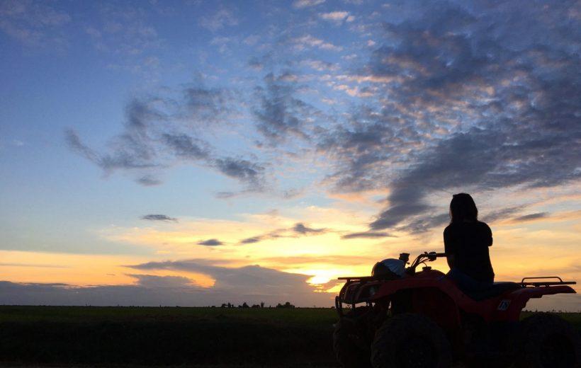 Hurghada: Sunset Desert Safari by Quad Bike with BBQ Dinner