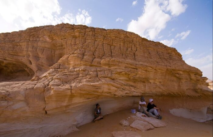 Desert Over View Hurghada: Super Safari Tour: Jeep, Quad Bike, Bedouin villages And BBC Dinner with Show
