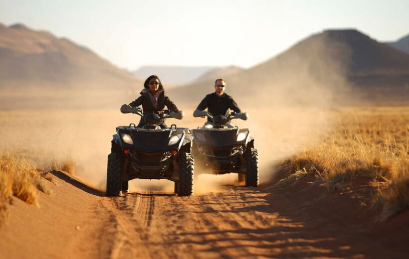 Hurghada: Super Safari Tour Jeep, Quad Bike, Bedouin Village and BBQ Dinner with Show