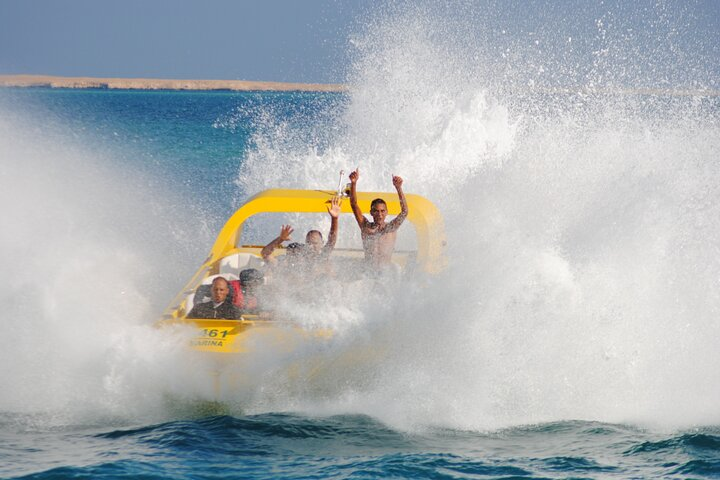 El Gouna: Extreme Jet Boat Experience with Hotel Pick up