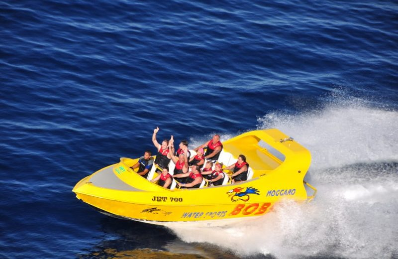 Makadi Bay: Extreme Jet Boat Experience with Hotel Pick up