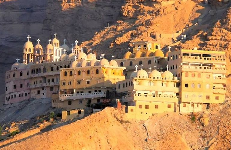 Hurghada: Visit Monasteries of St. Anthony and St. Paul Guided Tour