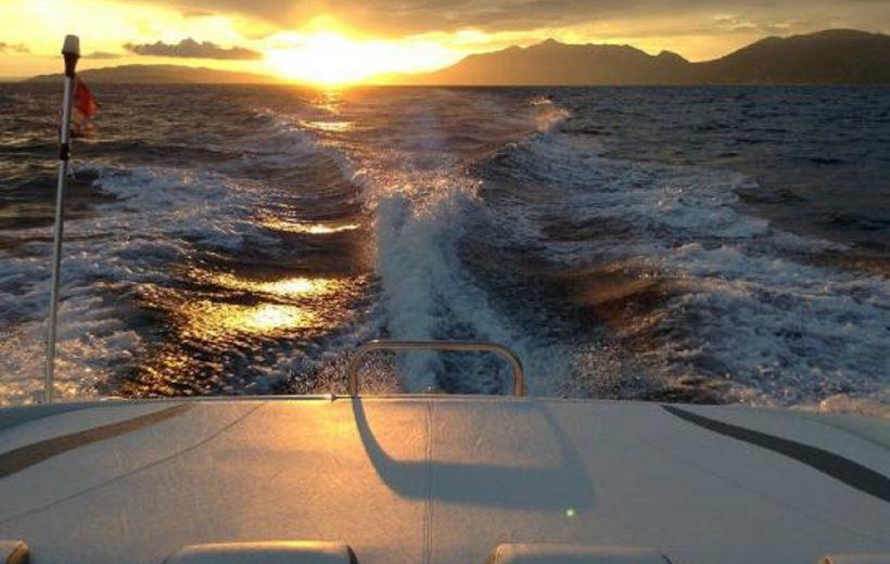 Soma Bay: Private Sunset Speedboat & Snorkeling Trip