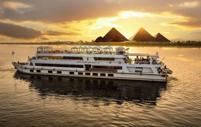 Cairo: Nile Dinner Cruise with Live Entertainment